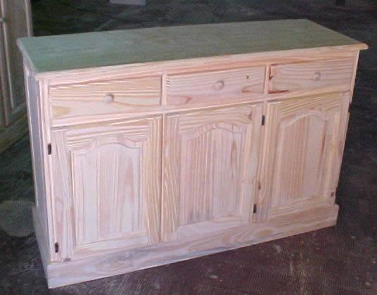 Mueble bajo living puertas replanadas y cajones for Mueble bajo comedor